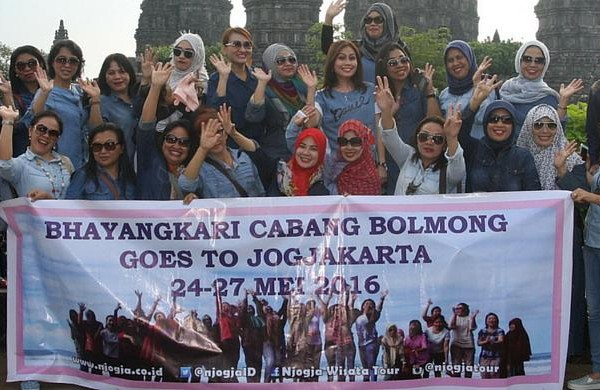 Njogja Tour bersama Bhayangkari Bolmong di Prambanan